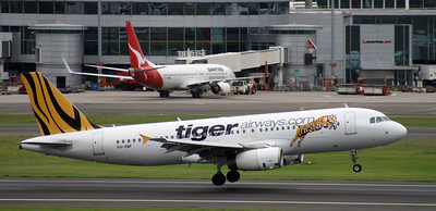 VH-VNF TIGER AIRWAYS A320