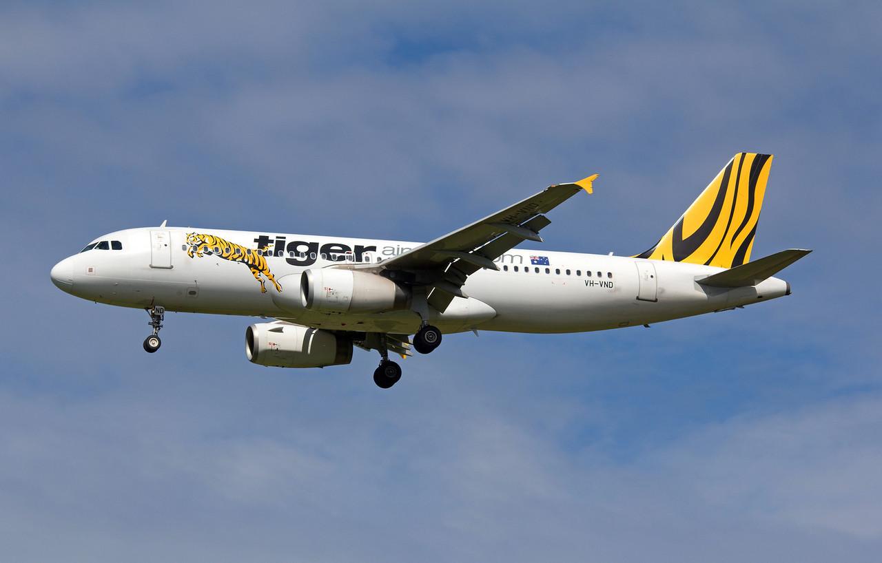 VH-VND TIGER A320