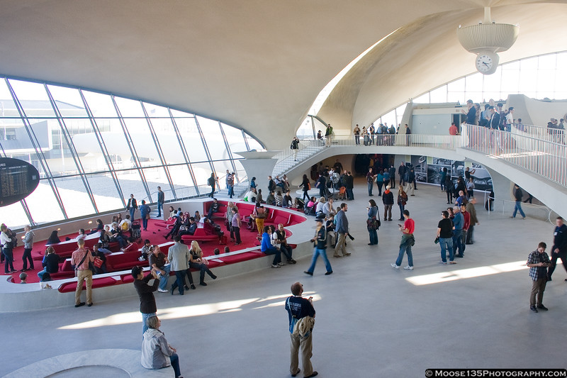 http://www.moose135photography.com/Airplanes/TWA-Flight-Center/i-6wkZTb3/0/L/JM20111016TWAFlightCenter046-L.jpg