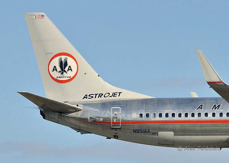 American Airlines Boeing 737-823 Retro
