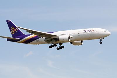 Thai Boeing 777-200 HS-TJT