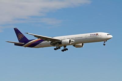 Thai Boeing 777-300 HS-TKD