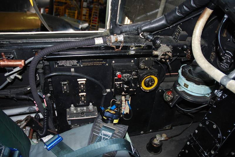 LH cockpit side pannel