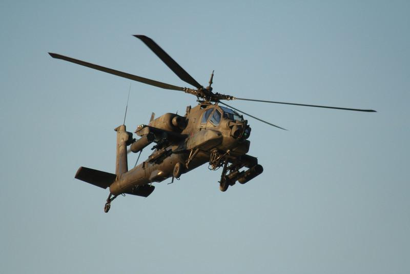AH-64 Apache.
