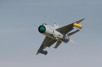 MiG-21_10-8_3407