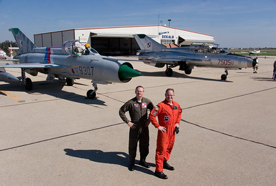 MiG-21_10-8_3276