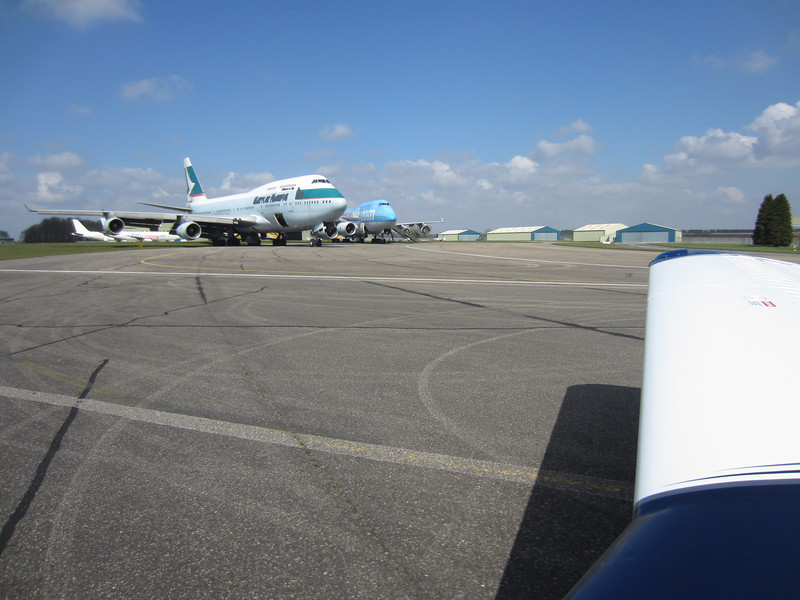 Taxying past 747s awaiting disposal