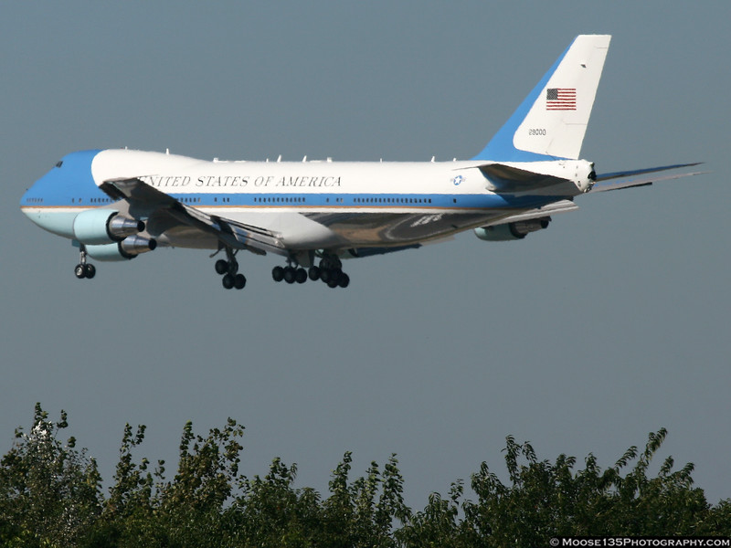 Air Force 1 arriving at JFK during UN Week.