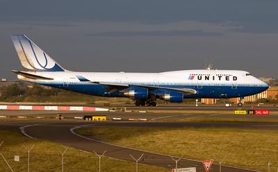 N118UA UNITED B747-400