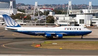 N104UA UNITED B747-400