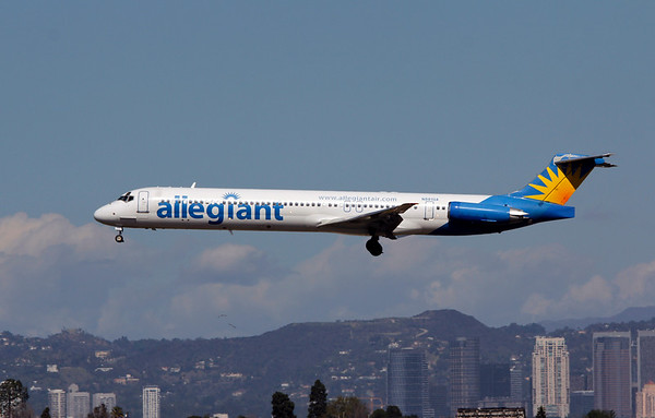 N881GA ALLEGIANT MD-83