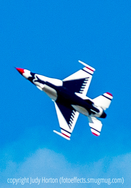 US Air Force F-16 Thunderbird