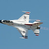 USAF Thunderbirds solo F-16.