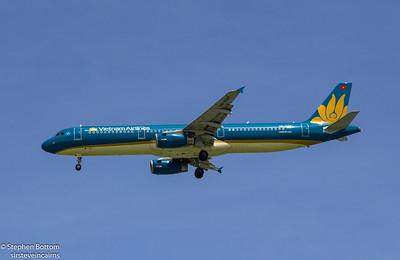 VN-A347 VIETNAM AIRLINES A320