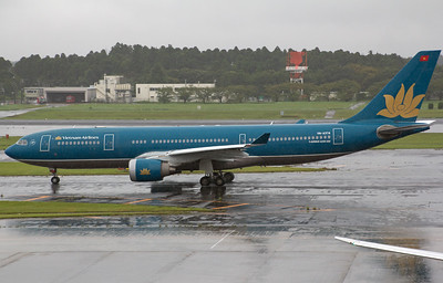 VN-A374 VIETNAM AIRLINES A330-200