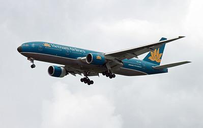 VN-A146 VIETNAM AIRLINES B777-200