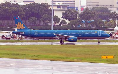 VN-A354 VIETNAM AIRLINES A321