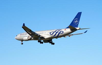 VN-A371 VIETNAM AIRLINES A330-200