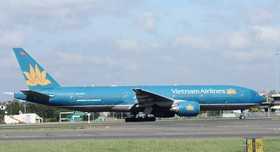 VN-A143 VIETNAM AIRLINES B777-200