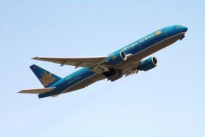 VN-A145 VIETNAM AIRLINES 777-200