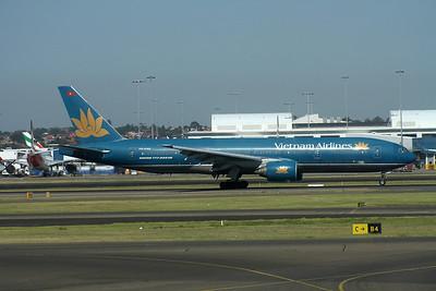 VN-A145 VIETNAM AIRLINES B777-200