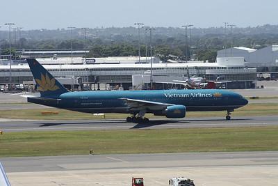 VN-A144 VIETNAM AIRLINES B777-200