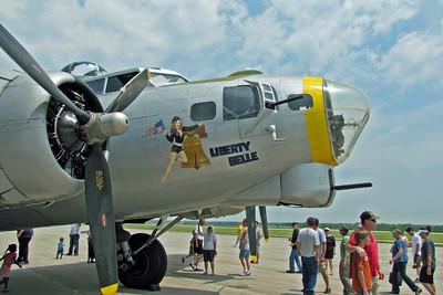 Various B-17s