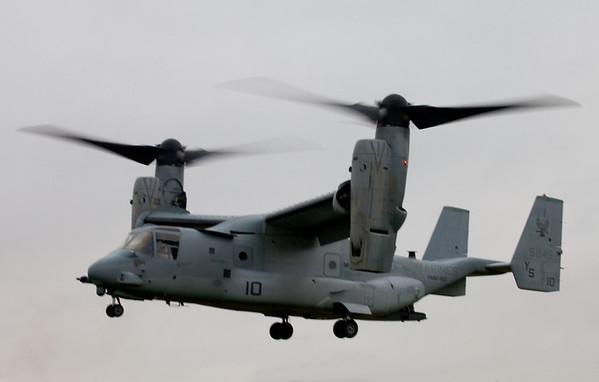 vf22 osprey lands at Hoffman Estates