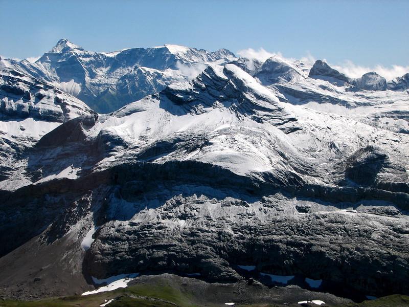 Los Alpes con nieve recien caida