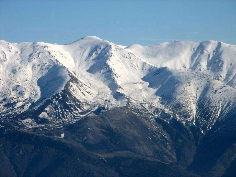 Atravesando los Pirineos zona Canigo nevado.
