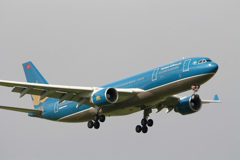Vietnam Airlines Airbus A330-223 VN-A374