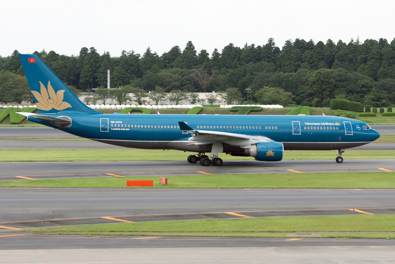 Vietnam Airlines Airbus A330-200 VN-A374