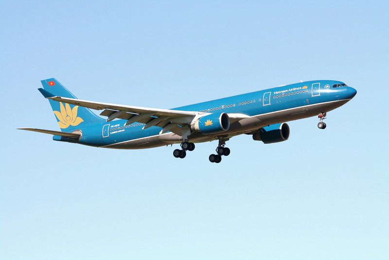 Vietnam Airlines Airbus A330-200 VN-A375