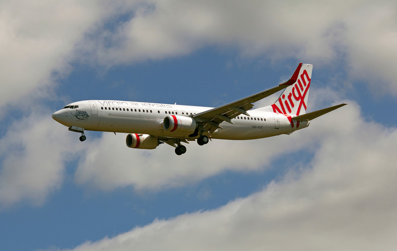 VH-YIT VIRGIN B737-800