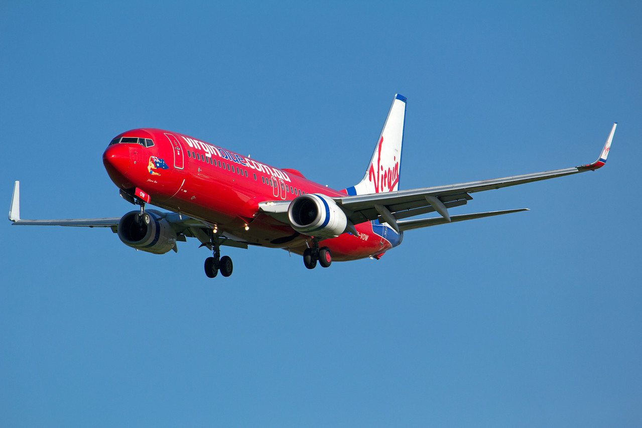 VH-VOW VIRGIN B737-800