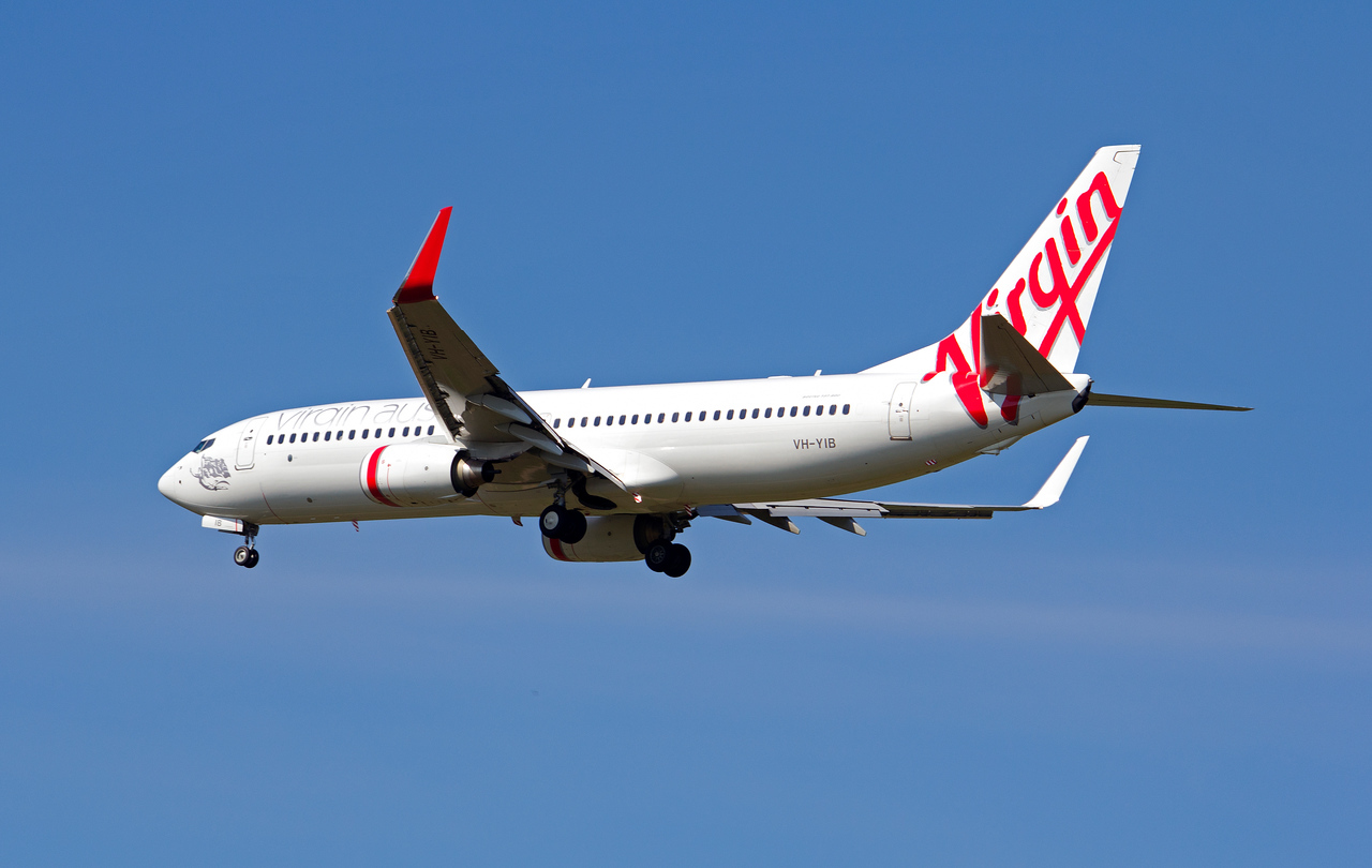 VH-YIB VIRGIN B737-800
