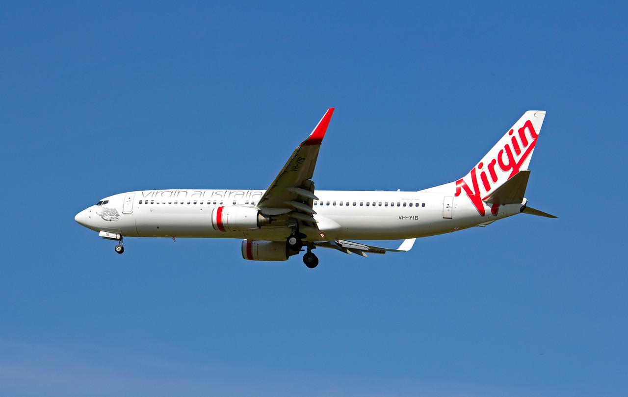 VH-YIB VIRGIN B737-800