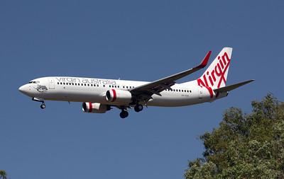 VH-VUA VIRGIN B737-800