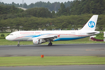 Vladivostok Avia Airbus A320-200 VQ-BCG