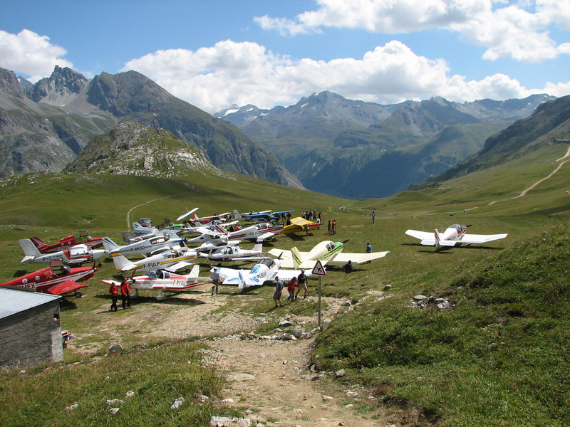 Muchos aviones pero la pista donde esta ¿?