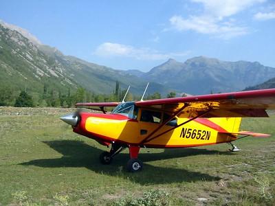Visita Castejon de dos aviones Suizos