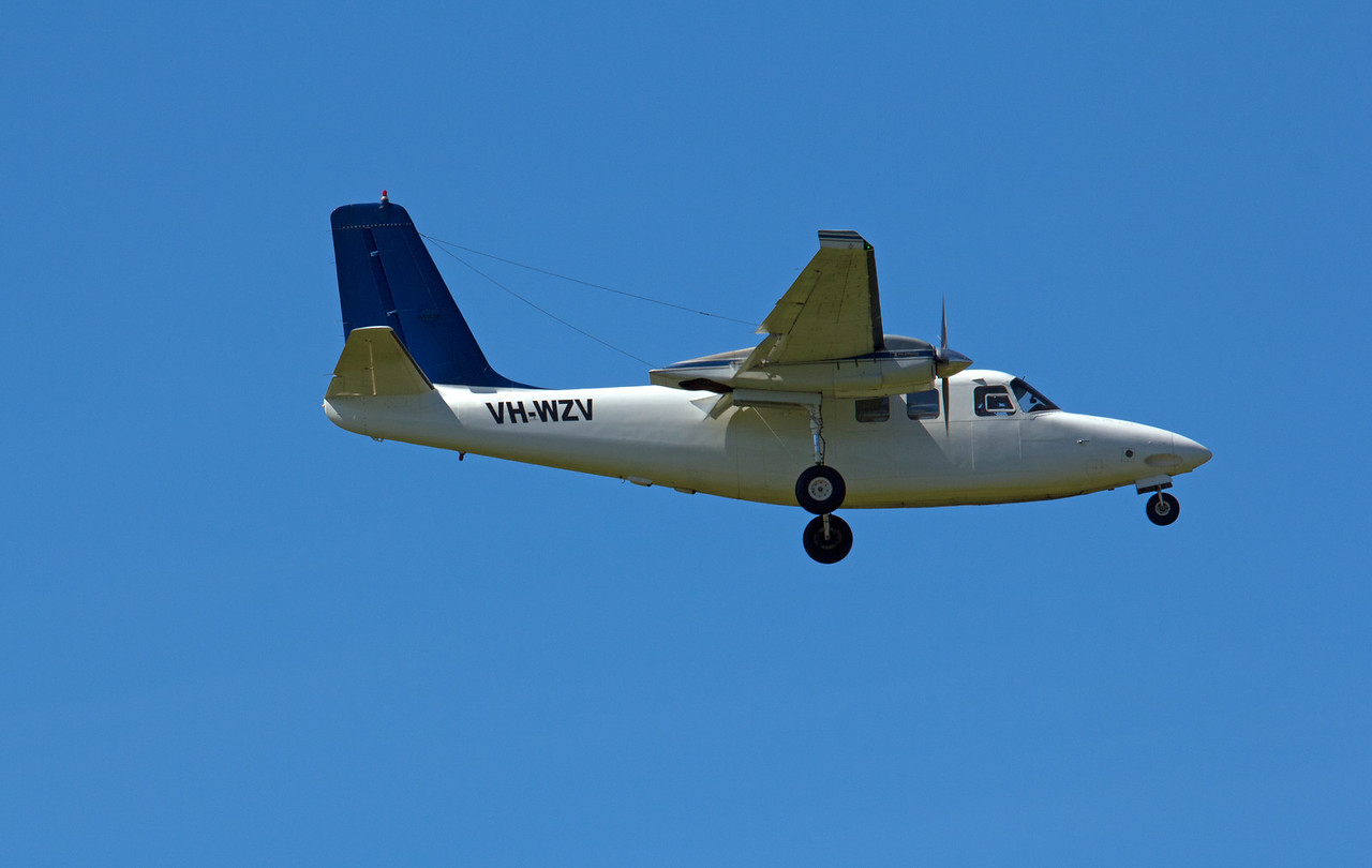 VH-WZV WESTWING AVIATION  AEROCOMMANDER-500S