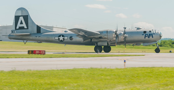 B-29 FiFi on a takeoff roll from Runway 31-13
