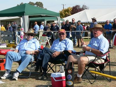 Ross Woodcock, Ray Botten & Bill Mansell whooping it up at Wagga