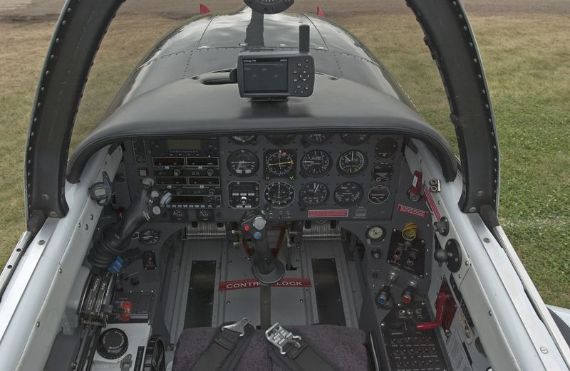 T34_N134DR_Cockpit_6673