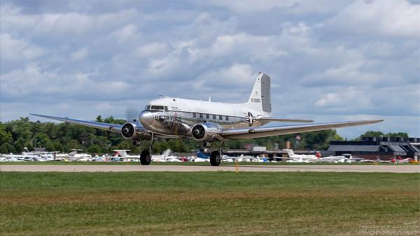 0-30665(N47E). Douglas DC-3C. USAF. Oshkosh. 260718.