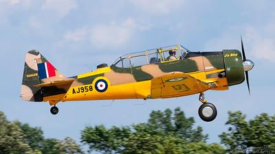AJ958(N565JH). North American AT-6D Harvard IV. Royal Canadian Air Force. Oshkosh. 230718.