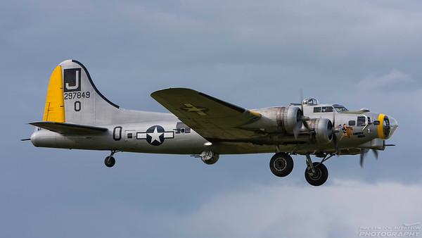 297849. Boeing B-17G Flying Fortress. USAAF. Prestwick. 020708.