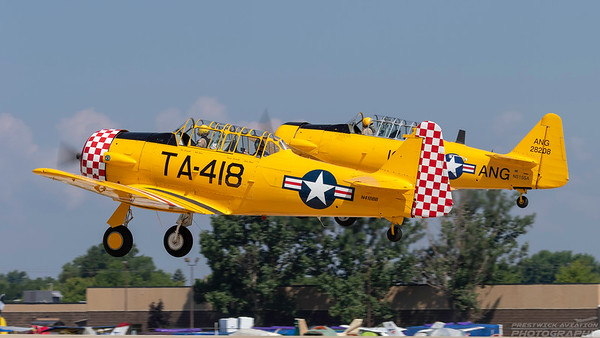 28208 (N418BB). North American AT-6D Texan. USAAF. Oshkosh. 230718.