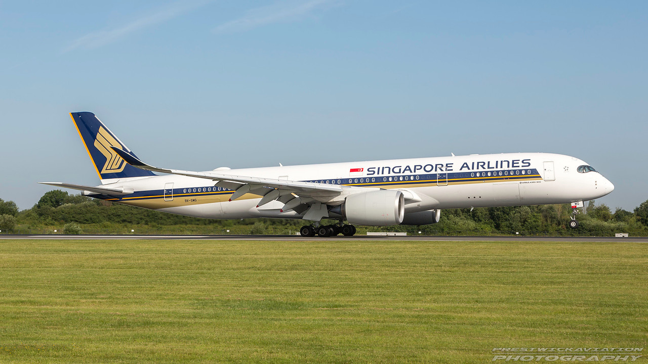 9V-SMG. Airbus A350-941. Singapore Airlines. Manchester. 180717.